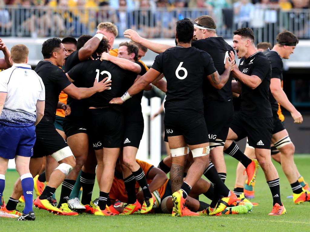 Bledisloe Cup 2021: All Blacks punish Wallabies to record clean sweep